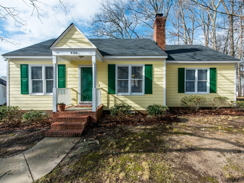 Now Showing from Hillman Real Estate Group: 3 BR, 2 BA Knightdale Ranch
