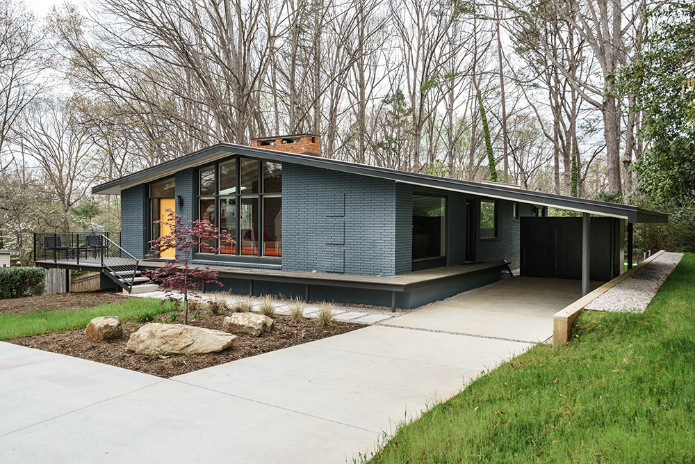 hillman real estate group - raleigh modernist home for sale - 002_Front Perspective - Ocotea
