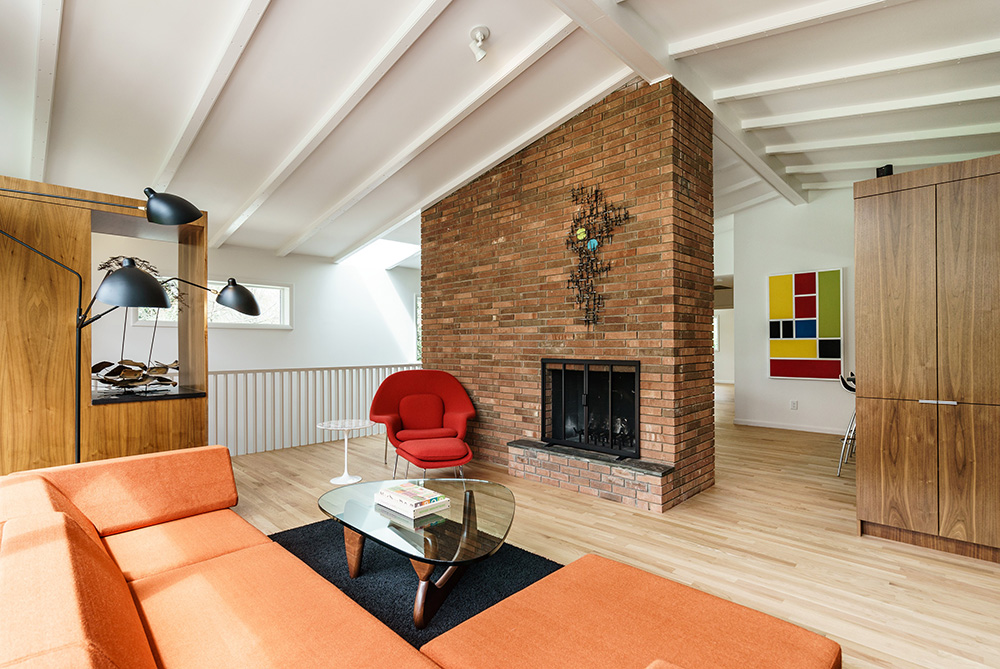 hillman real estate group - raleigh modernist home for sale - 011_Living Room - Ocotea