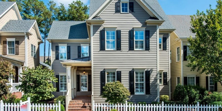 Luxury Features and a Low-Maintenance Lifestyle at Amberly