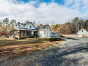 Pittsboro 10 acre estate for sale - Renee Hillman - Hillman Real Estate Group