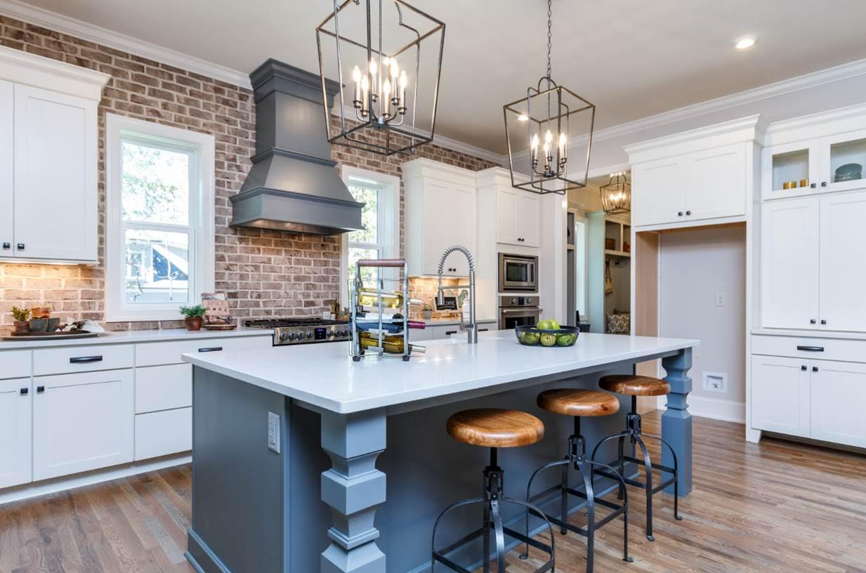 New home construction design trends courtesy of homes by for New home construction designs