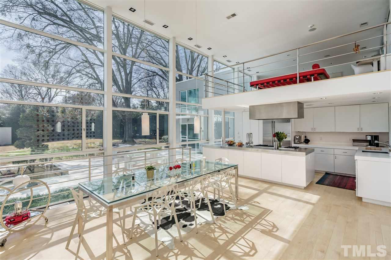 Hillman Real Estate Group: 811 Bryan Street