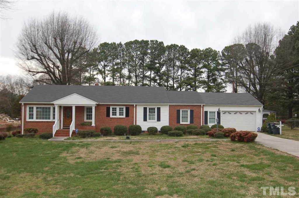 Hillman Real Estate Group at eXp Realty Buyer Closing Kayla 2821 Ellis Road Durham NC 27703
