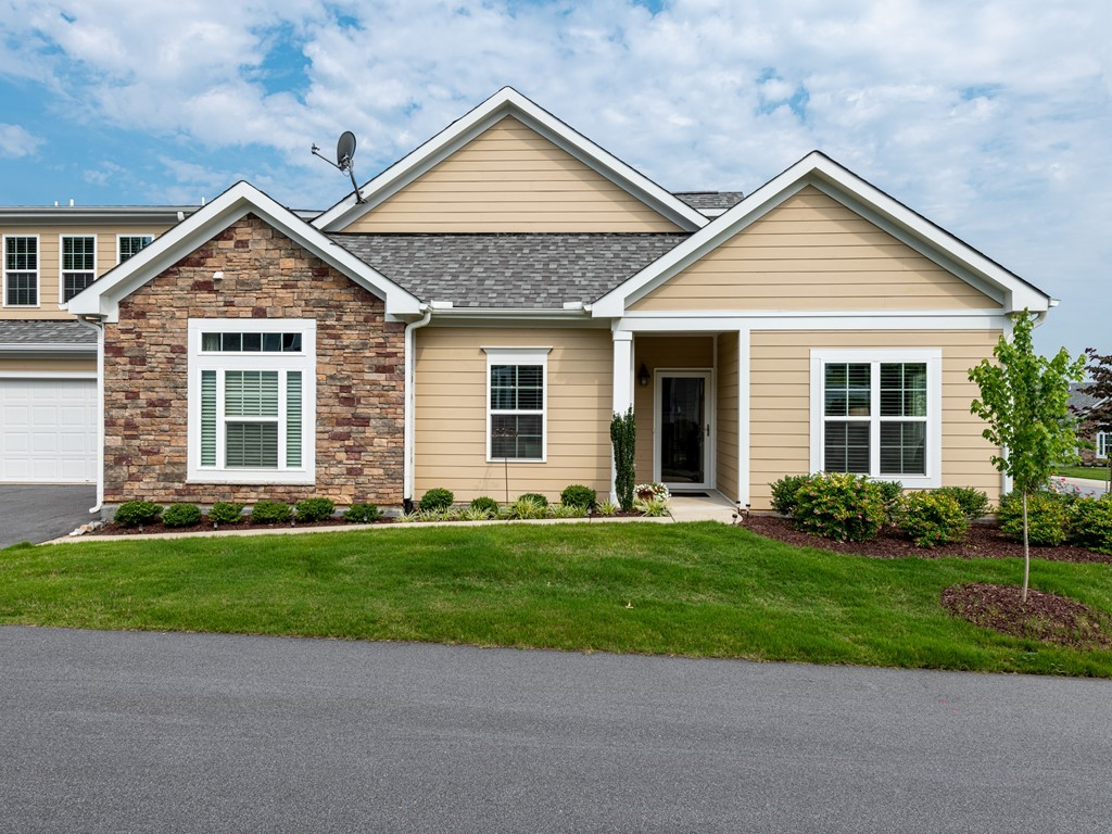 Hillman Real Estate Group at eXp Realty - 840 Blue Bird Lane Wake Forest NC 27587 - 001_Exterior Front