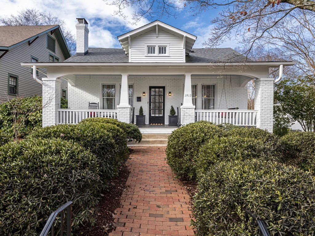 1913 Sunset Drive Raleigh NC 27608 – Hillman Real Estate Group at eXp Realty