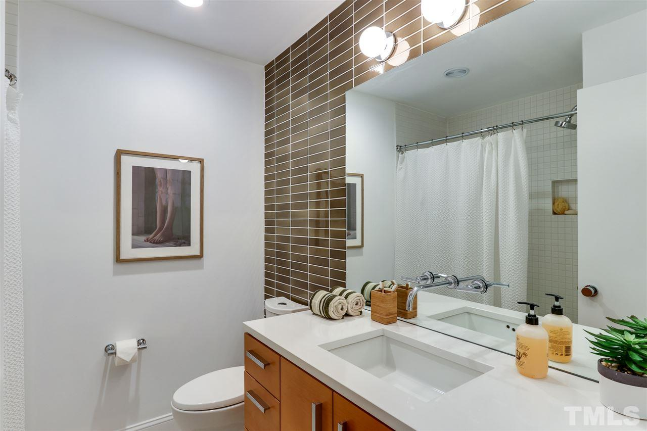 3200 Doubleday Place - Modernist Home of the Month at Hillman Real Estate Group Bathroom
