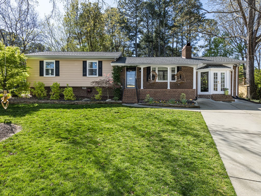 613 Lakeview Drive Apex NC 27502 – Hillman Real Estate Group at eXp Realty