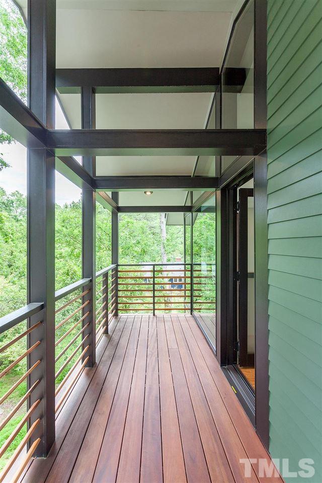 115 Oak Street Carrboro Hillman Real Estate Group guest house balcony