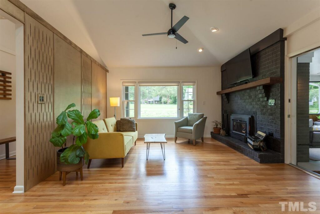 115 Oak Street Carrboro Hillman Real Estate Group living room