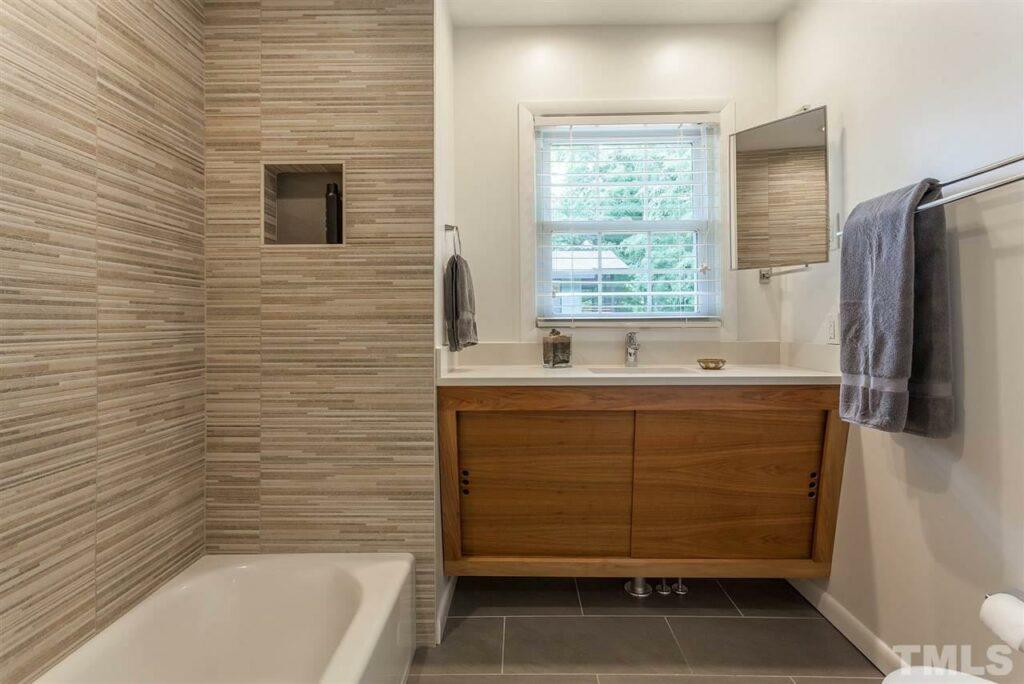 115 Oak Street Carrboro Hillman Real Estate Group master bathroom