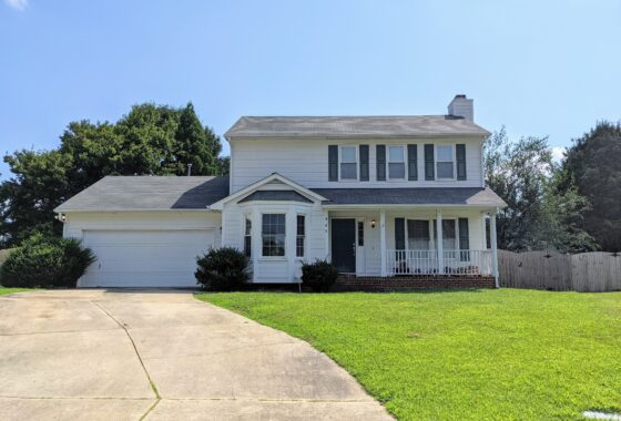 906 Greendale Court Apex NC 27502 - Hillman Real Estate Group at eXp Realty - Front Exterior